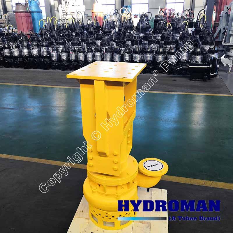 Submersible hydraulic driven dredge pump